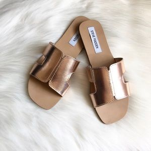 Steve Madden Greece sandals sz:9 summer slides